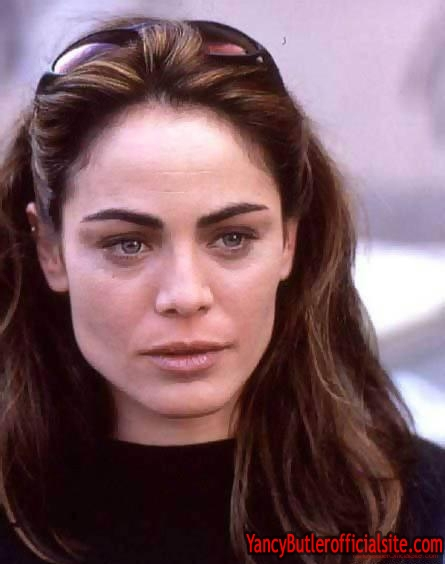 Yancy Butler - Wallpaper Actress